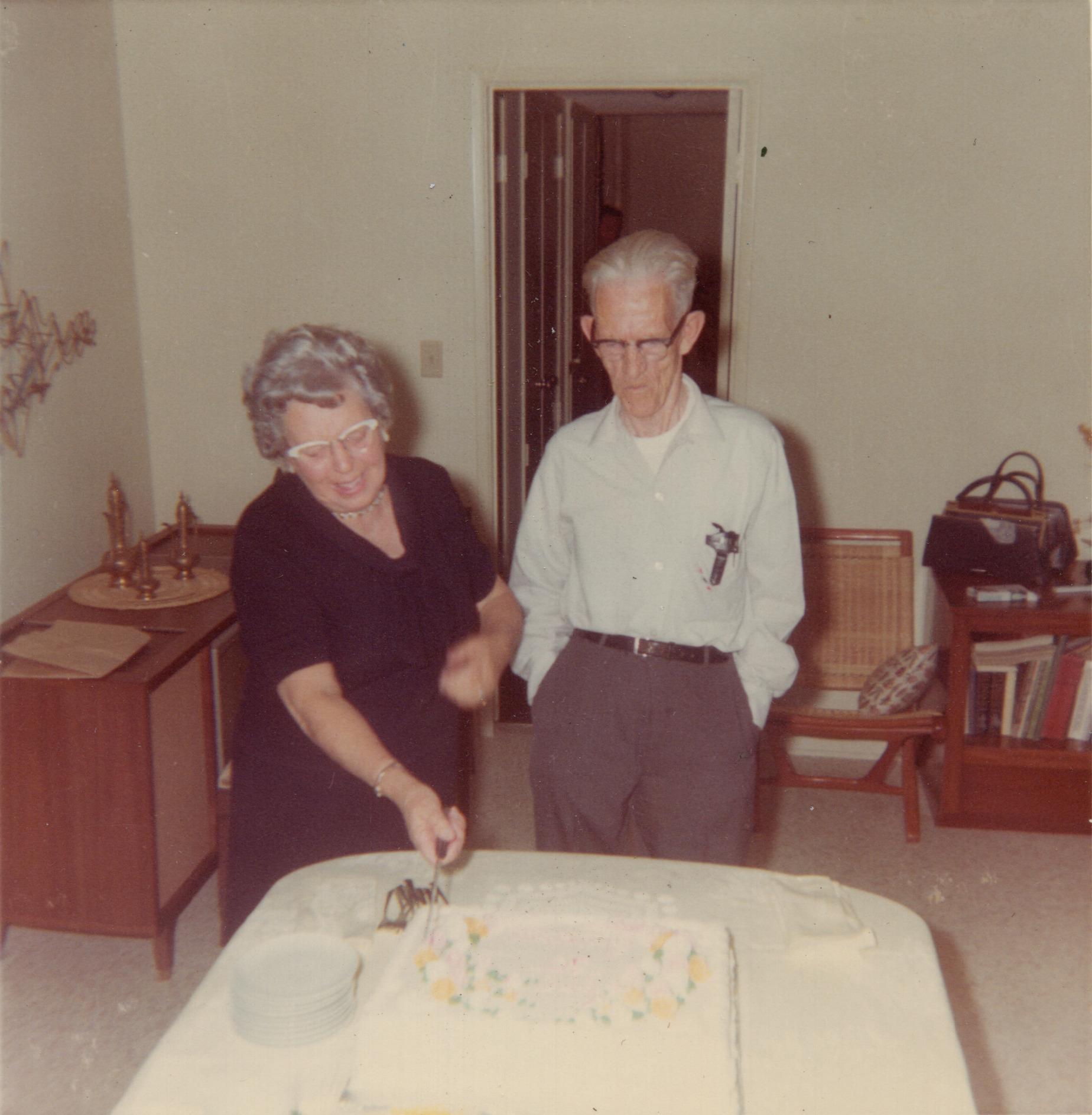 Grandma & Grandpa Phillips Cake - Before