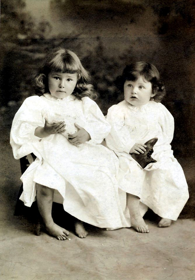 Elsie & Gladys Kloninger - 1893