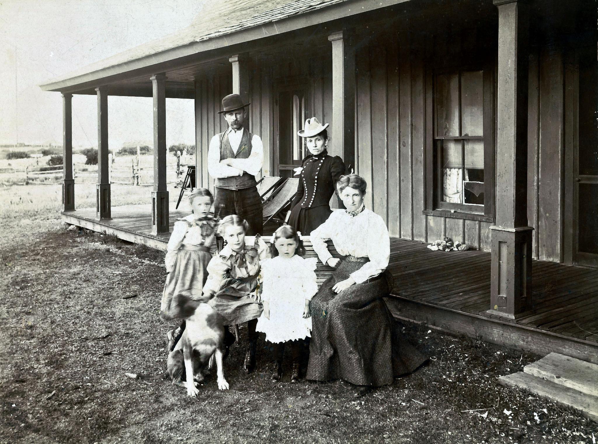 Tom, Anna, May, Elsie, Gladys & May