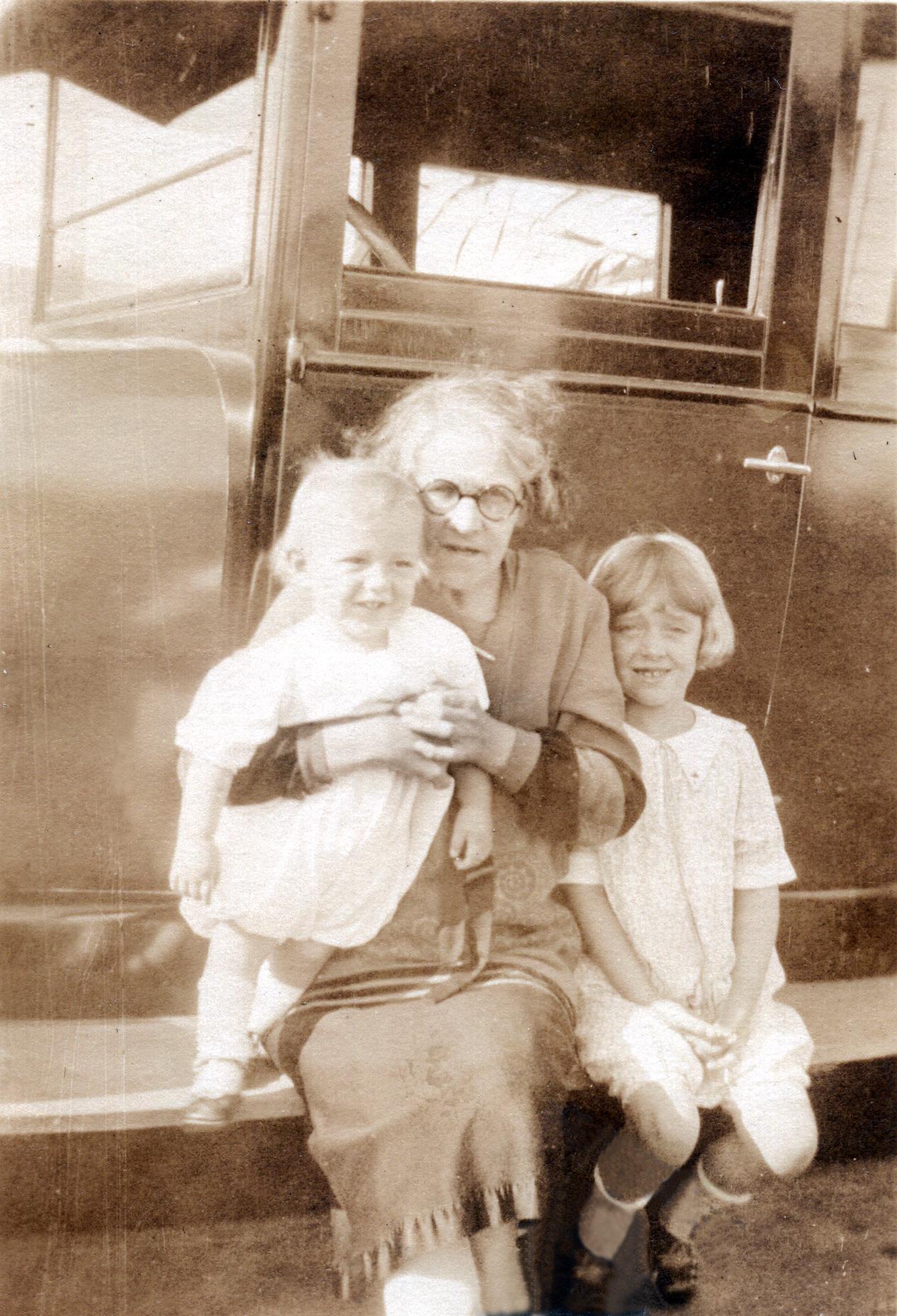Annie (Mary Hannah Fletcher), Bob & Shirley