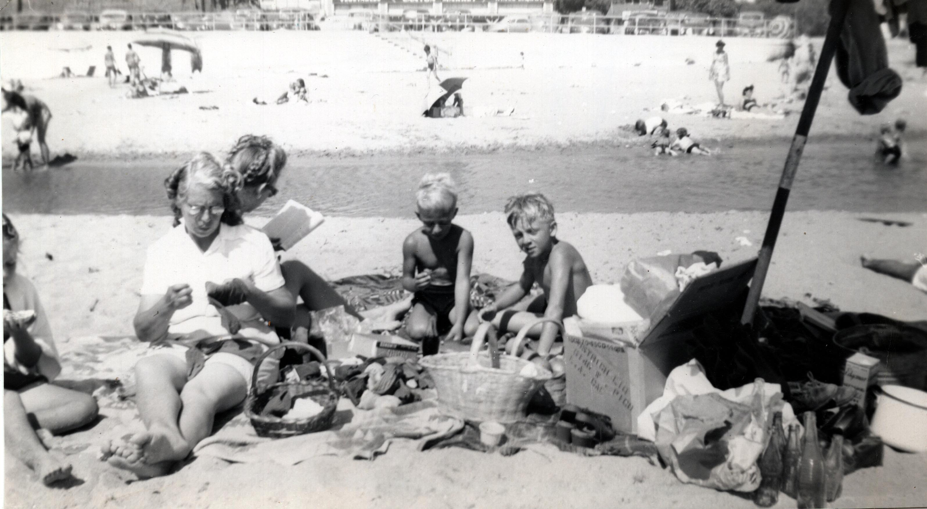 Darlene, Viola & Shirley