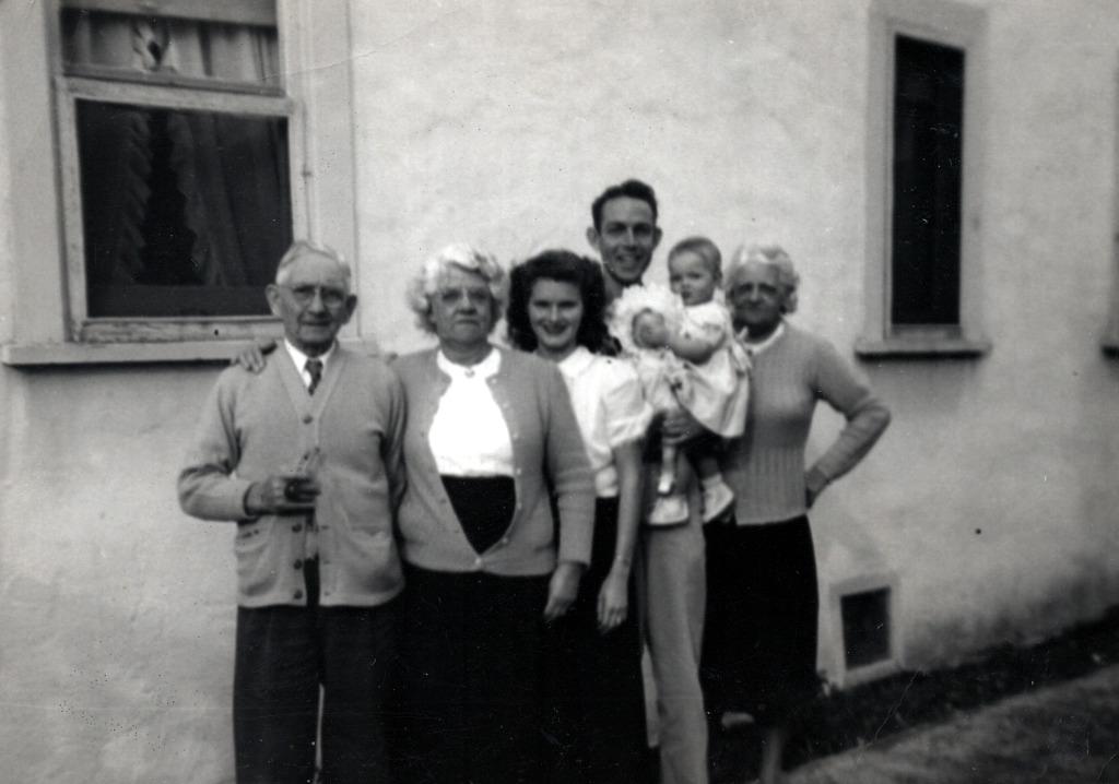 Phillips Grandparents & Aunt with Bob, Melba & Susan