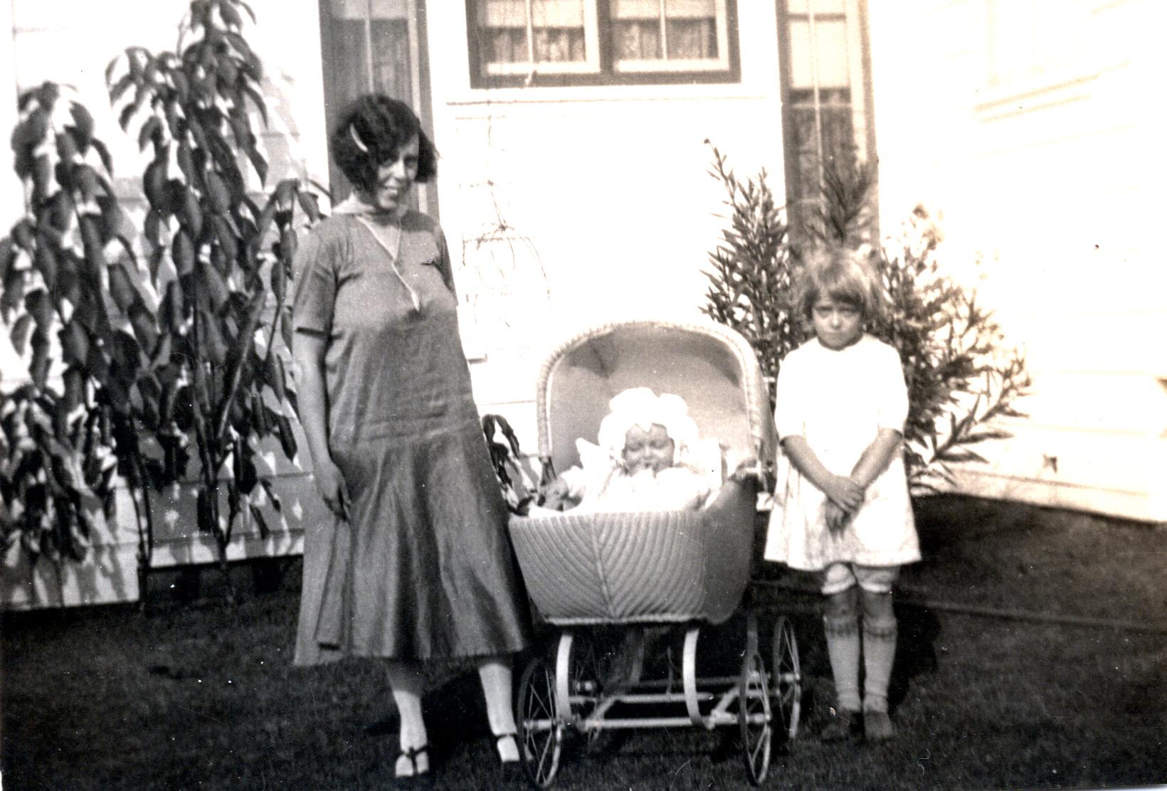 Viola, Bob & Shirley - 1926