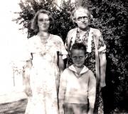 Shirley, Bob & Great Aunt Annie