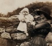 Viola & Shirley - 1920