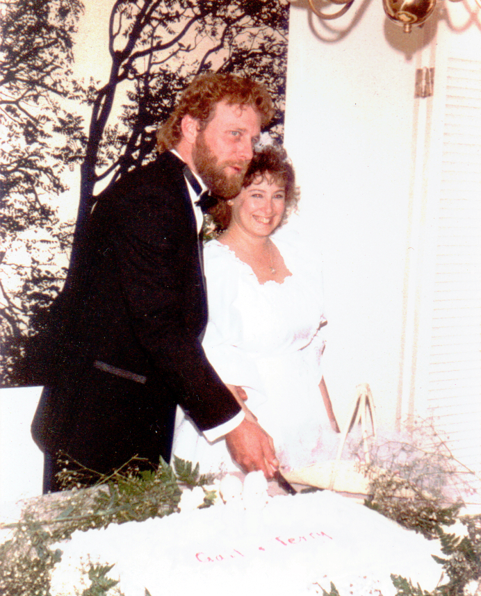 01-Terry and Gail Cutting Wedding Cake
